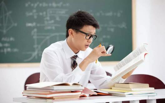 <b>超有用的成人高考阅读理解题库小技巧</b>